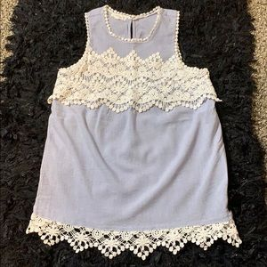 🧚🏻‍♀️Maurices Sleeveless with lace top